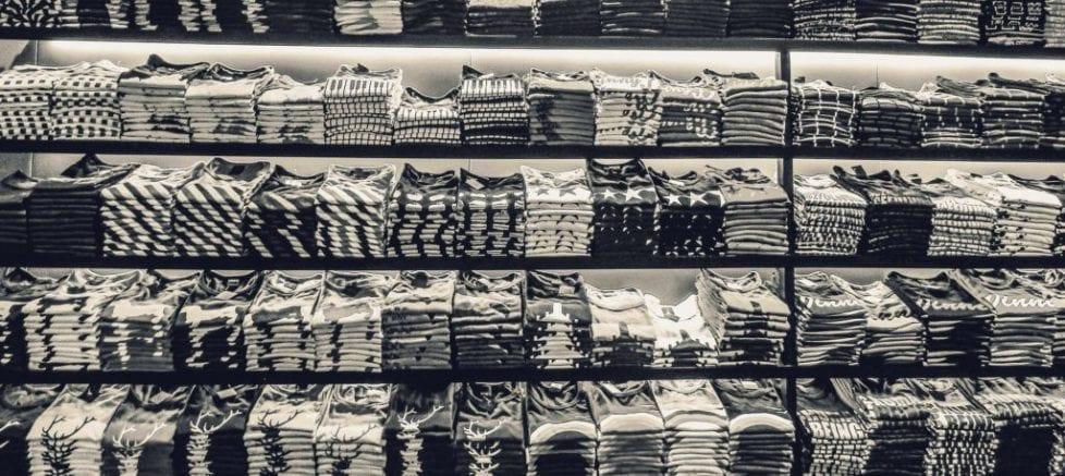 t-shirts-2731768_1920